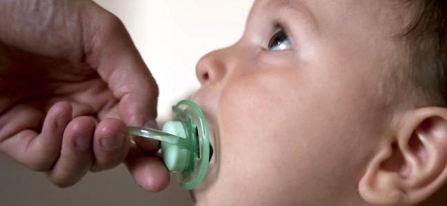 ¿Cómo se puede quitar el hábito del chupete a un niño?